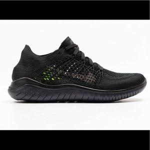 NEW Nike Women's Free Running Flyknit